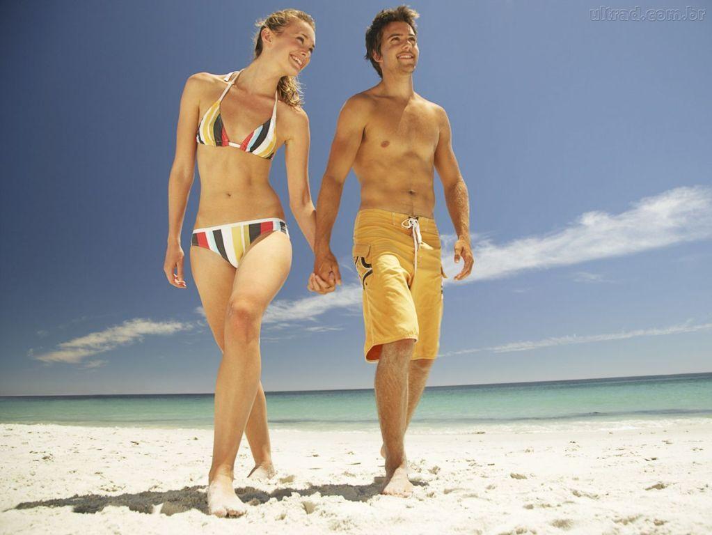 caminhar-ao-longo-da-praia-um-exercicio-fantastico-1